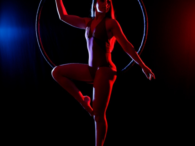 Aerial hoop with coloured rim lighting